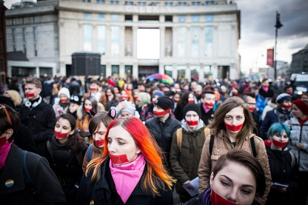 Kraftvoller Tag des Schweigens in St. Petersburg