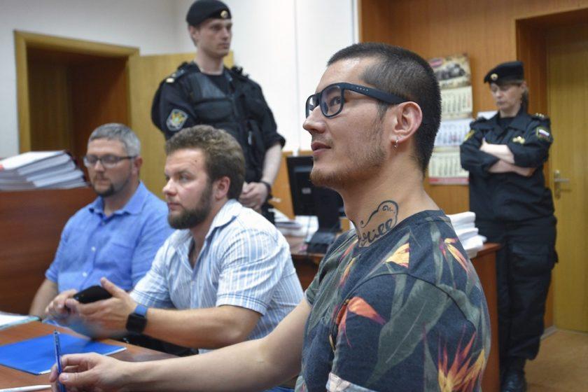 Журналист «Новой газеты» Али Феруз рассказал ОНК об избиении и применении к нему электрошокера при конвоировании
