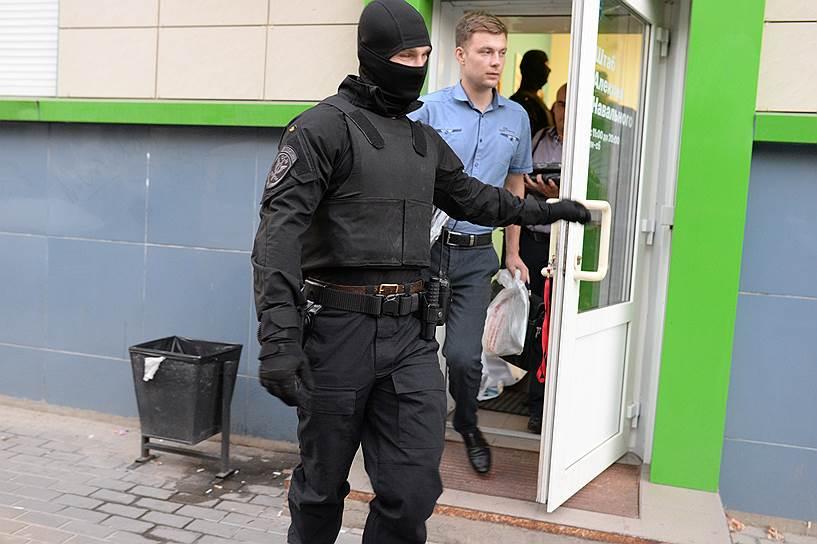 Полиция провела обыск в воронежском штабе Навального