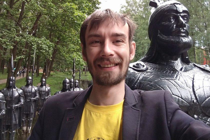 В Чувашии активиста «Открытой России» оштрафовали из-за тюльпанов, подаренных спикеру Госсовета