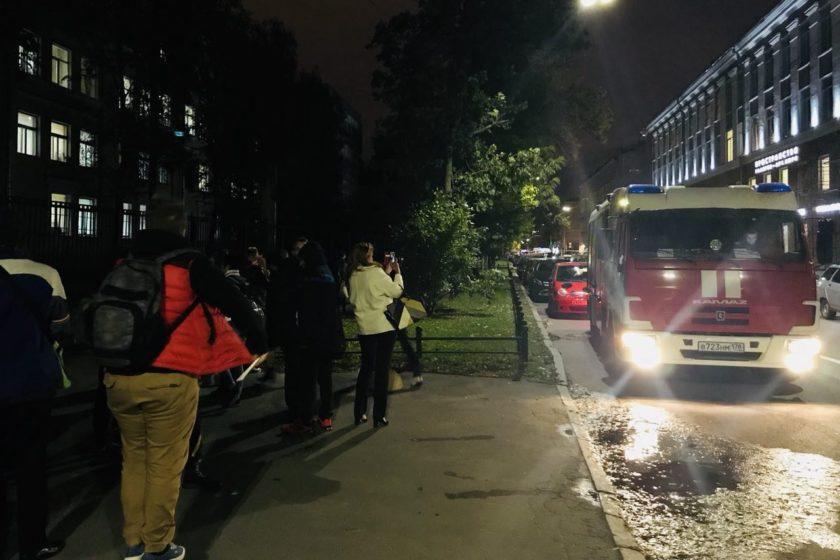В Петербурге посетителей ЛГБТ-фестиваля «Квирфест» эвакуировали из-за сообщения о минировании