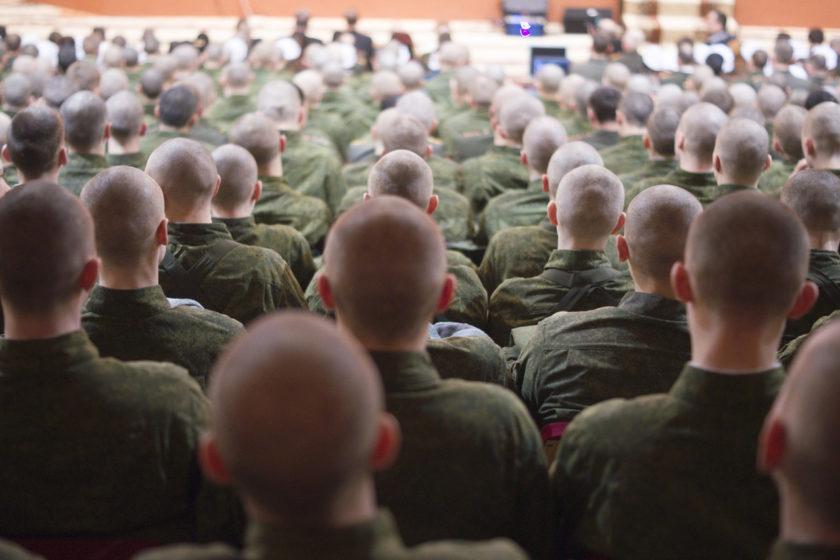 В Красноярске суд дал два года колонии солдату-срочнику, обвиняемому в призывах к терроризму