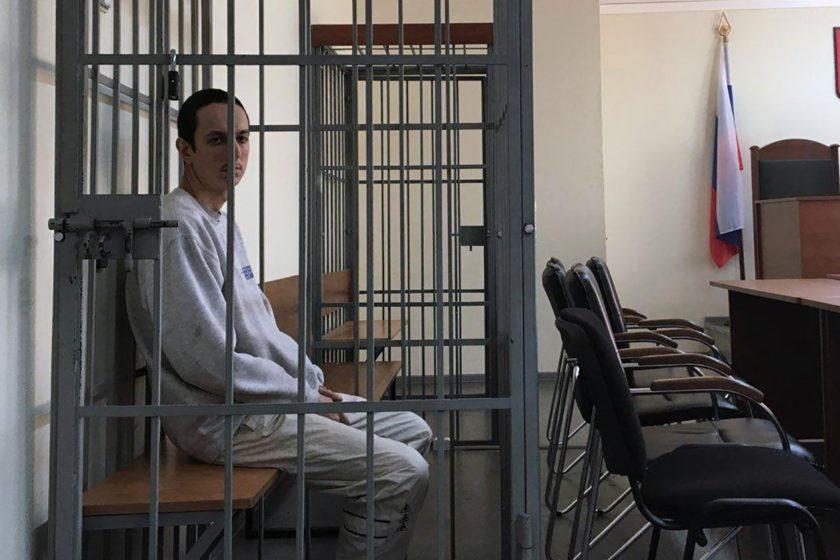 Адвокат рассказала о 36-часовом допросе и избиении калининградского анархиста Вячеслава Лукичева