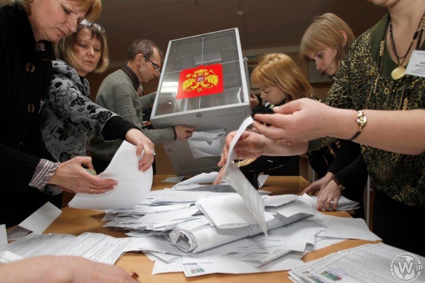 На члена УИК в Ейске хотят составить протокол. Она не дала проголосовать 20 нарушителям