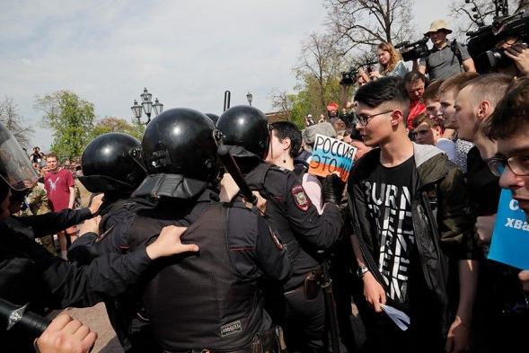 Федеральная служба судебных приставов организовала рейды в отношении задержанных участников акций протеста в Москве
