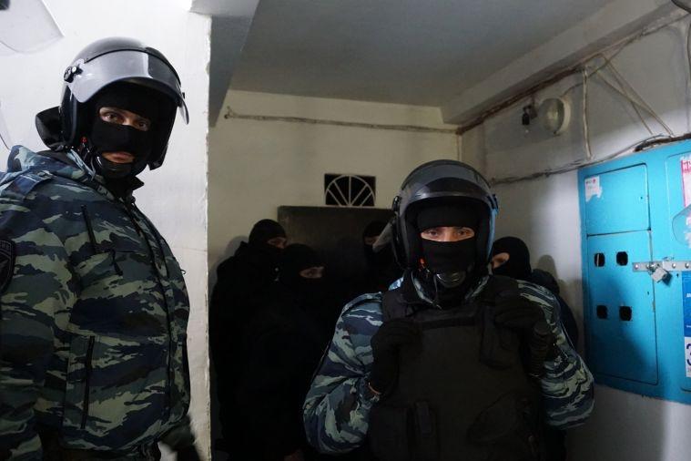 Полиция пришла к отцу несовершеннолетнего активиста «Другой России» и угрожала уголовным делом