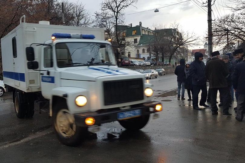 По делу «Хизб ут-Тахрир» осудили крымских татар на 9 и 17 лет