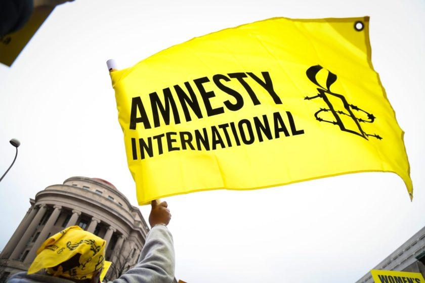 Amnesty International критикует Россию за законы против НКО