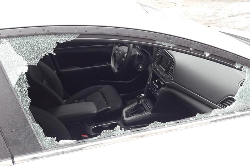 В Екатеринбурге разбили автомобиль правозащитника, сообщившего о пытках заключенных в ИК-16