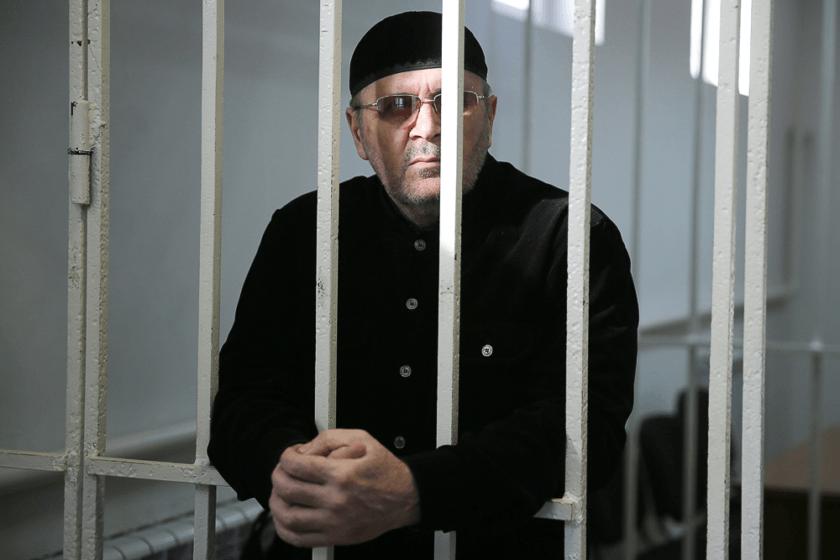 Прокурор запросил четыре года колонии для главы чеченского «Мемориала» Оюба Титиева