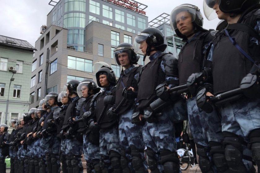 Берлин назвал аресты в Москве нарушением международных обязательств